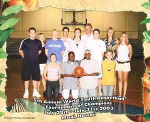 Team photo in the gym Hawaii 2003 (1)